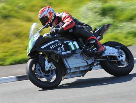Allan Brew races Aermacchi and Seeley in Isle of Man TT events.